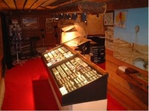 Australian-opal-jewellery-opal miners hut jewelry cave
