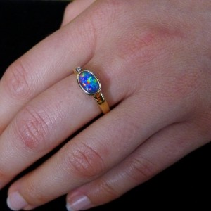 genuine-opal-rings-black opal from lightning ridge