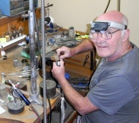 jewelers-and-opal-cutters.john creating opal jewelry