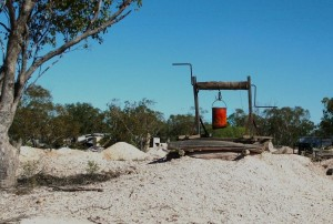 opal-mining-at-lightning-ridge-Windlass in opal mine at lightning ridge
