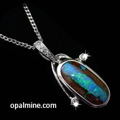 opal pendant 4042