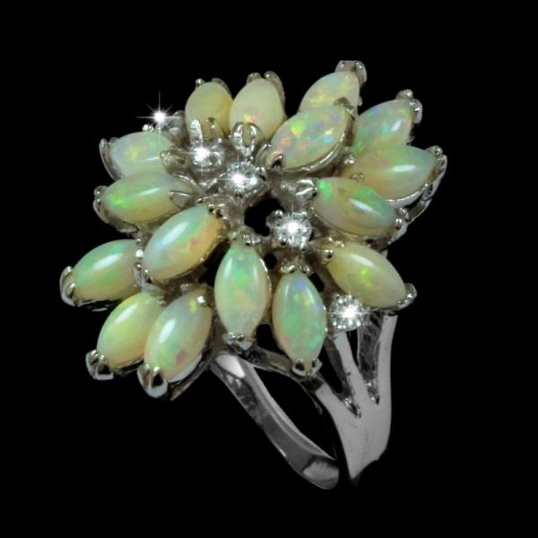 p-25702-9077R-6×3-opal-pendant-crystal-4.jpg