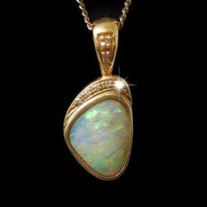 4022-crystal-opal-pendant-3