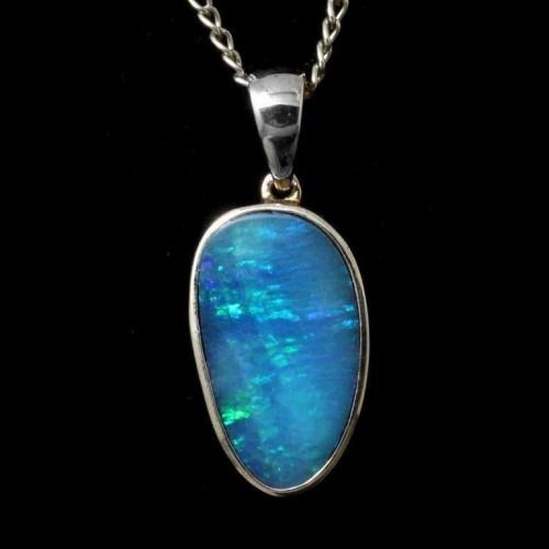 4192-opal-pendant