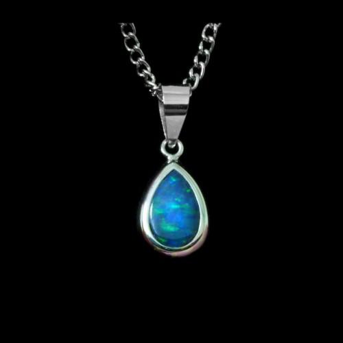 4194-opal-pendant-2