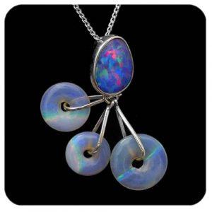 4246-crystal-opal-pendant