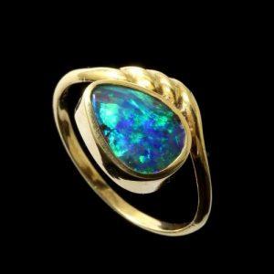 Opal Rings Black Boulder