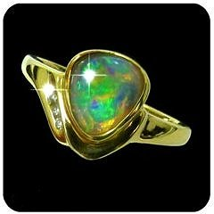 5526-crystal-opal-ring
