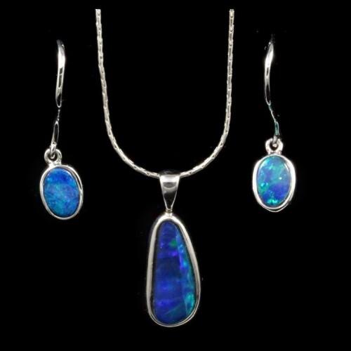 9042-opal-pendant-earrings-set