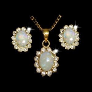 9050-opal-set-crystal-opal