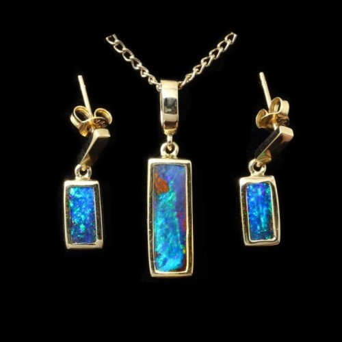Boulder opal set