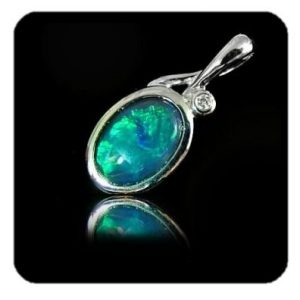 black-opal-pendant-4164