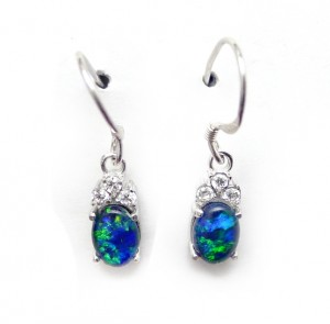 opal-earrings-in-the-fashion-world-'tiara' style opal ear drops