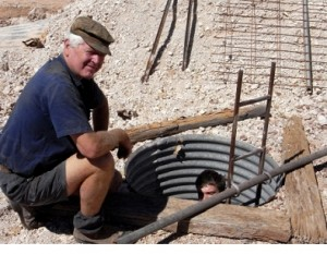 opal mines of Australia - Mike with Max in the opal mine- Lightning Ridge area
