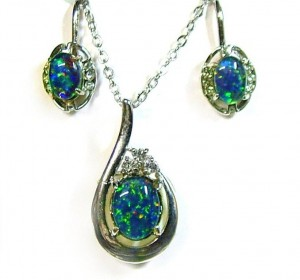 opal jewelry or jewellery set